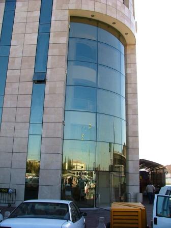 קירות מסך מרכז מסחרי אור יהודה תמונה מספר 1