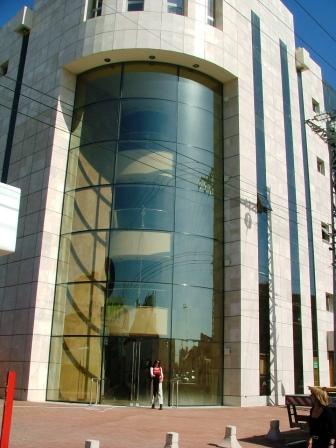 קירות מסך מרכז מסחרי אור יהודה תמונה מספר 3