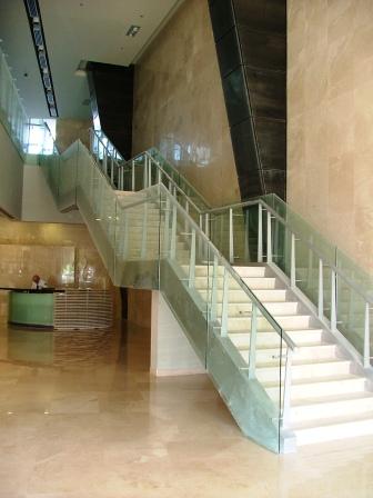 גרם מדרגות בית מבקר המדינה, תל אביב תמונה מספר 1
