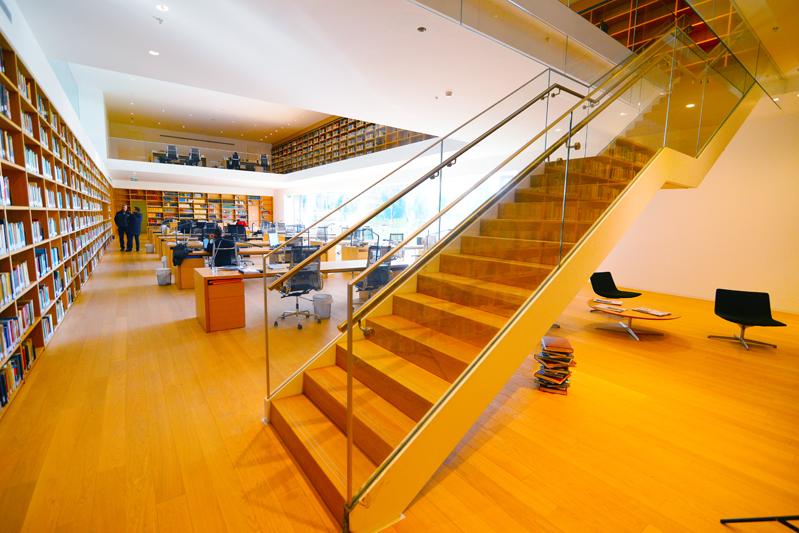 גרם מדרגות מכון ואן ליר 2 תמונה מספר 4