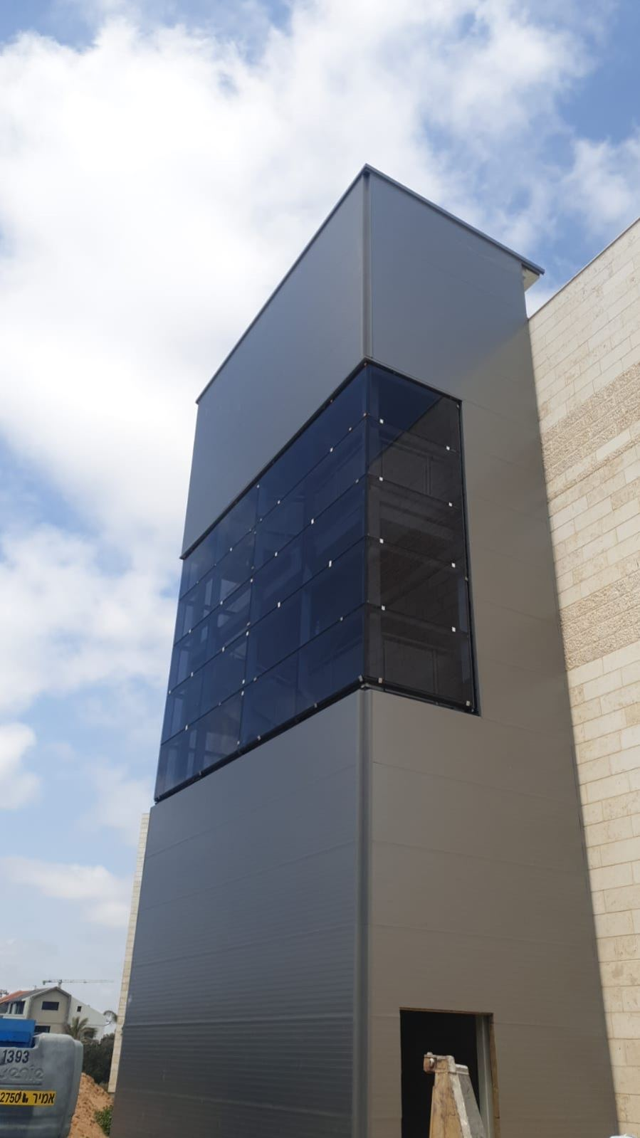 קיר מסך בית חולים לניאדו תמונה מספר 1